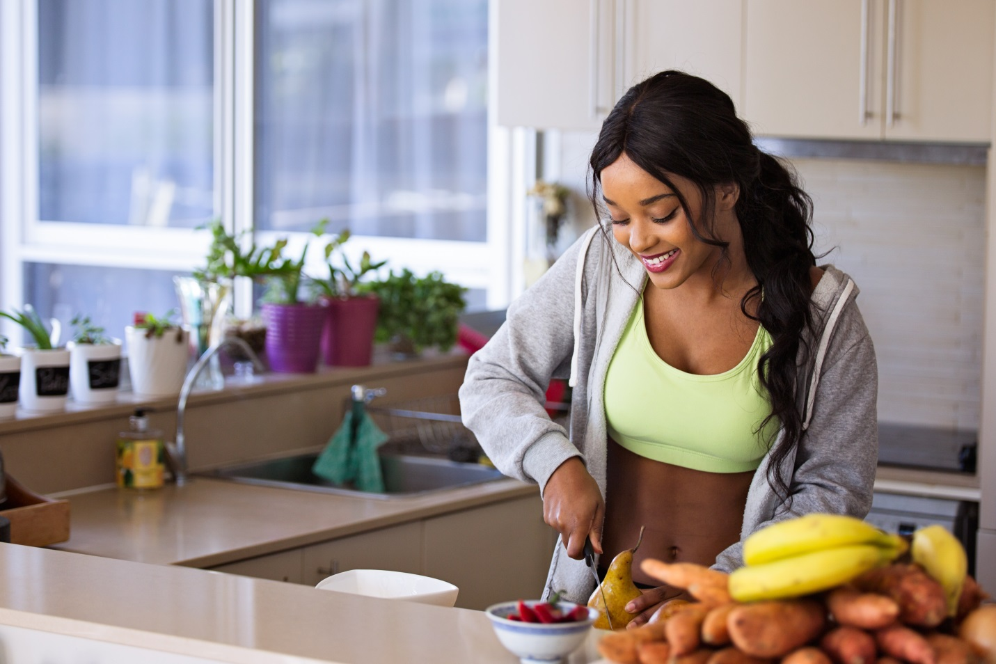 Top 5 Keys Why Australians Live Healthier and Longer Years! chop fruit